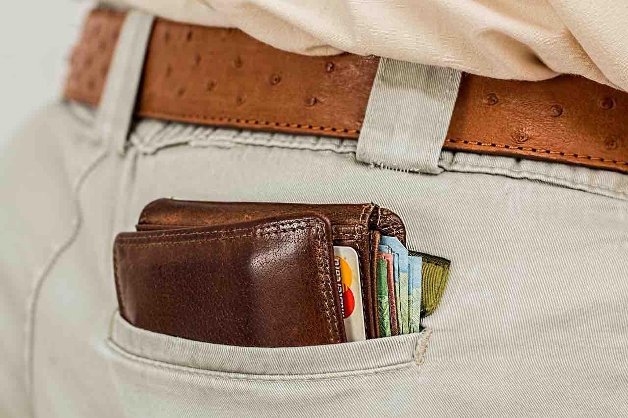 portafoglio in tasca