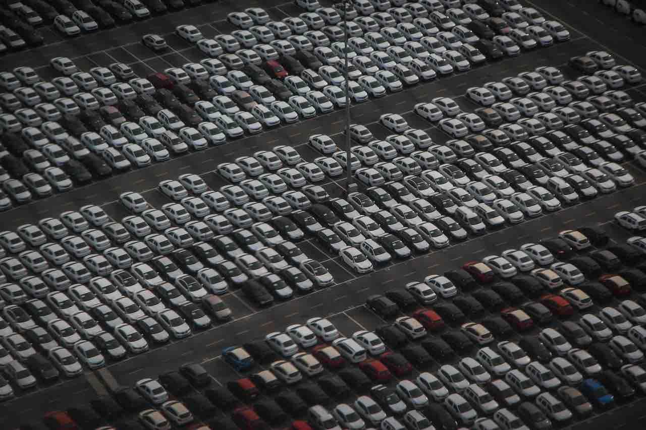 auto parcheggiate