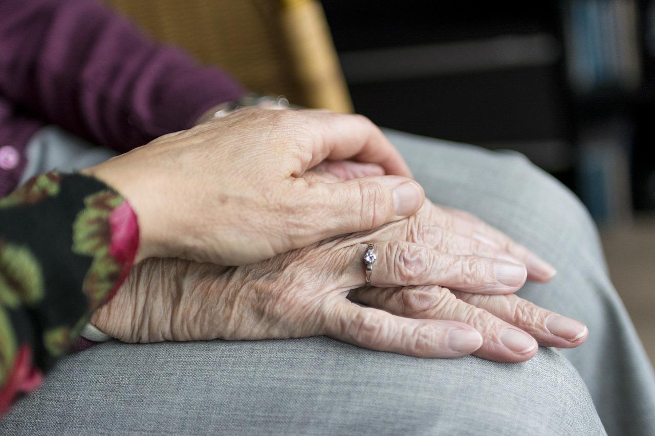 Truffa tasse contro anziani