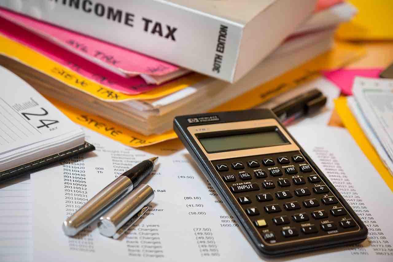 Calcolatrice e registri contabili