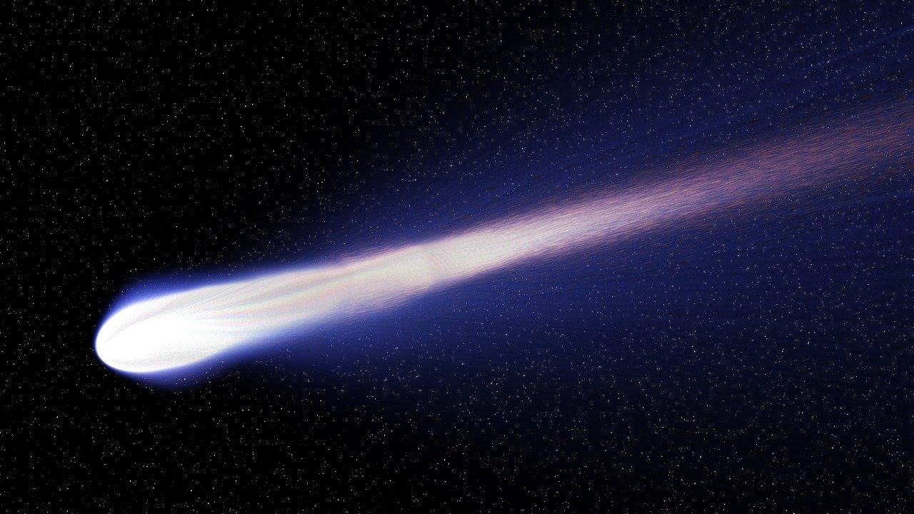 Cometa di Natale quando sarà possibile vederla. I dettagli del fenomeno