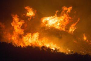 """Australia, fumo degli incendi ripresi dalla ISS: """"Faranno il"""
