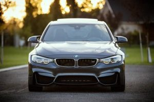 Differenza auto nuova e Km0: cosa cambia e quale scegliere