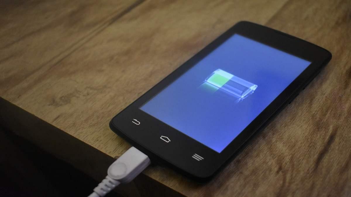 Come ottimizzare la batteria Android o iOS, le applicazioni disponibili