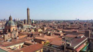 Ricatto hard a Bologna: estorsione di mille euro a un operai
