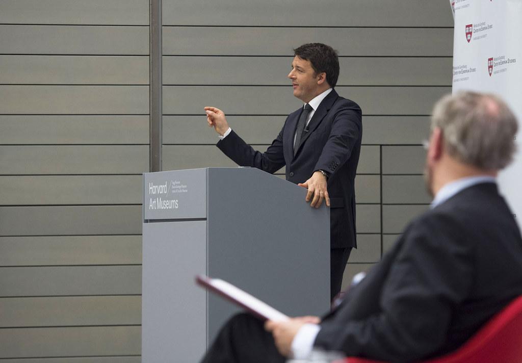 Matteo Renzi durante una iniziativa pubblica