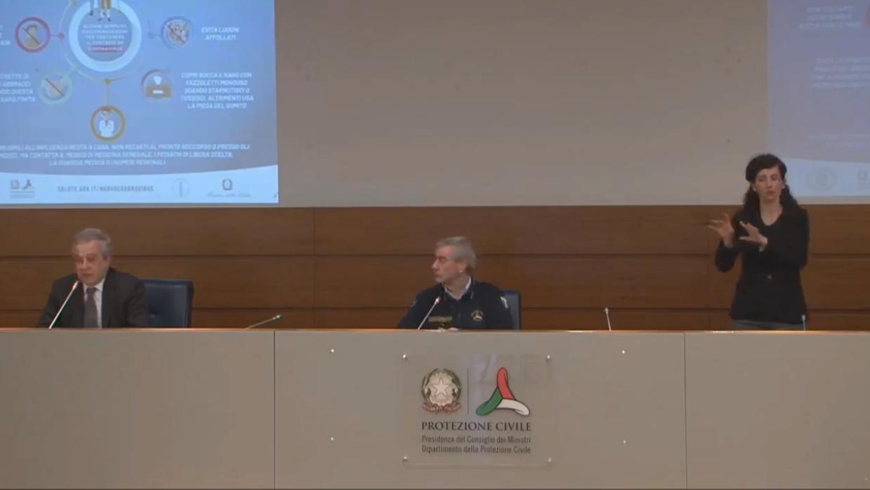 Immagine della conferenza stampa della Protezione Civile: Borrelli, Locatelli