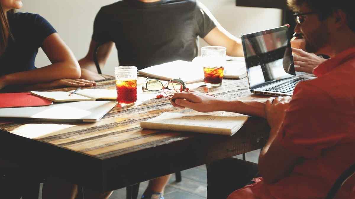 Diritti e doveri col capo a lavoro, ecco come comportarsi