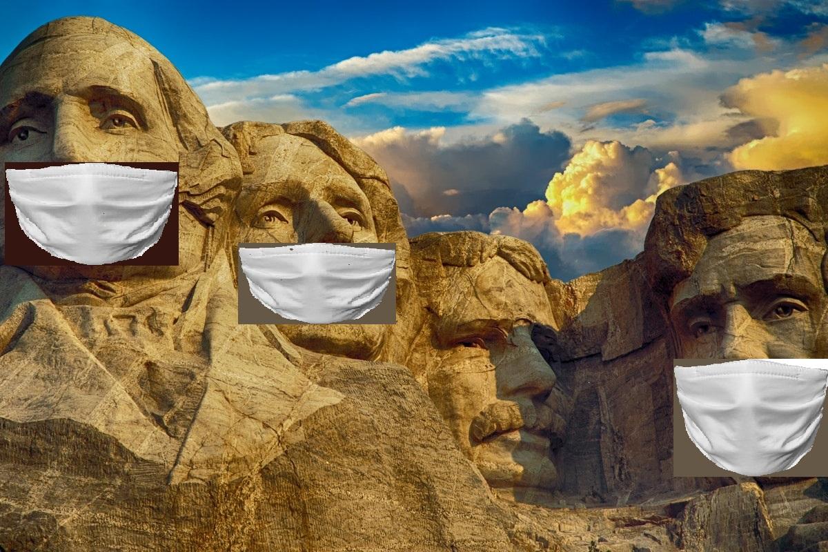 Le sculture dei padri costituenti USA con la mascherina