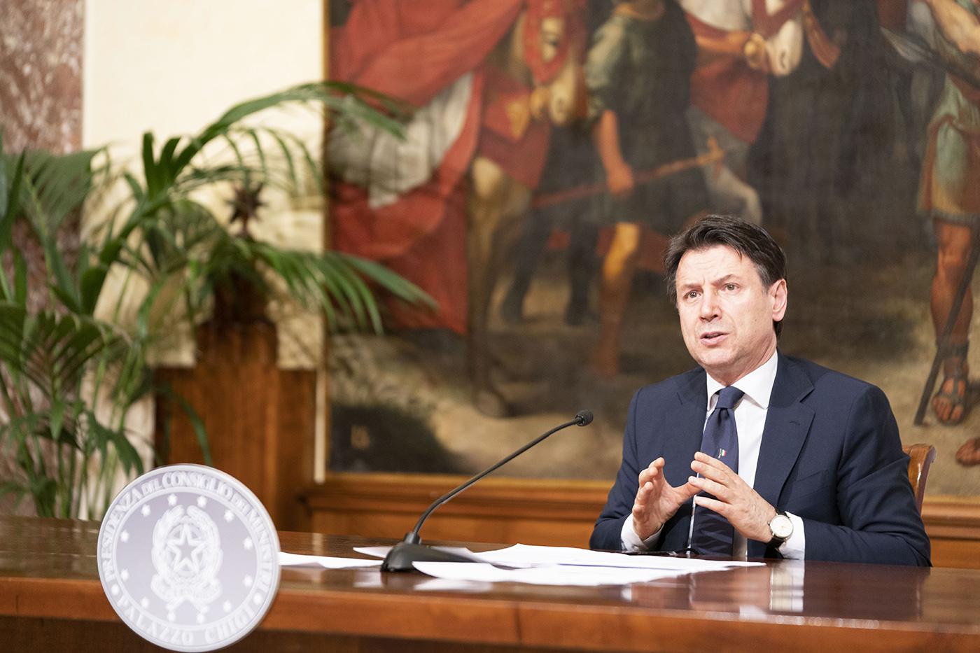 Giuseppe Conte nel corso della conferenza stampa del 26 aprile 2020