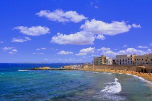 Emiliano davanti in Puglia: le proiezioni lo danno in netto vantaggio su Fitto