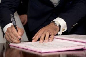 Contratto già firmato: la legge ammette o no la disdetta? I casi pratici