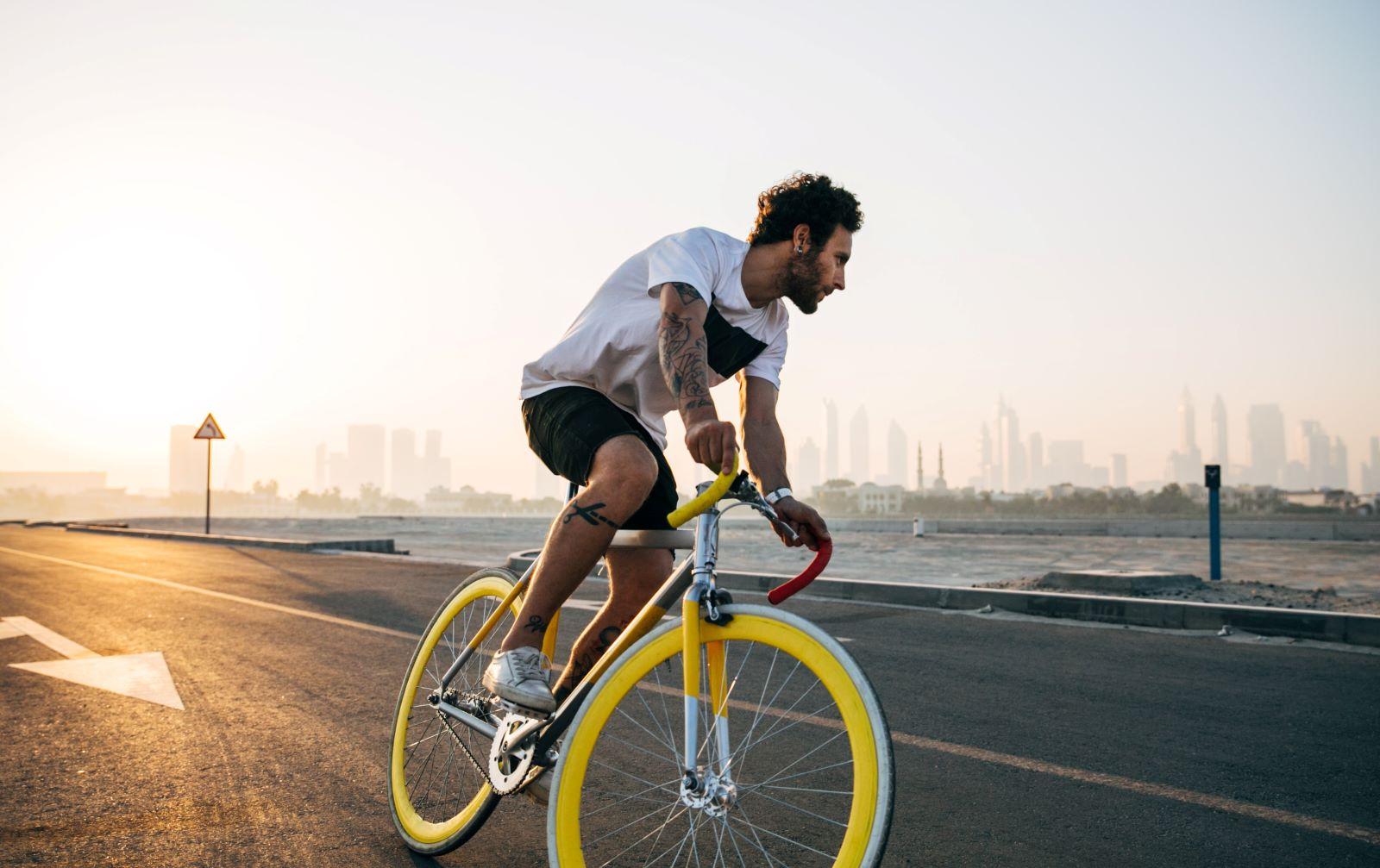 Parcheggiare la bici in città cosa dice la legge, ecco la normativa e i divieti