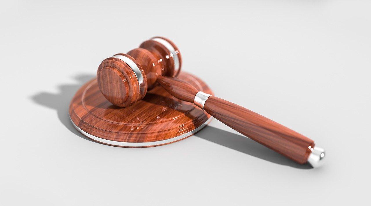 Reato penale è giusta o sbagliata questa espressione