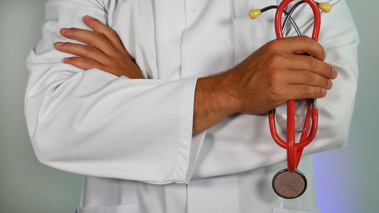 Visita specialistica urgente chi può prescriverla e il codice di urgenza