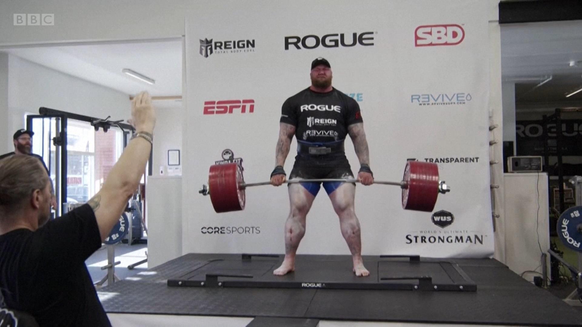 bjornsson rompe record sollevamento pesi