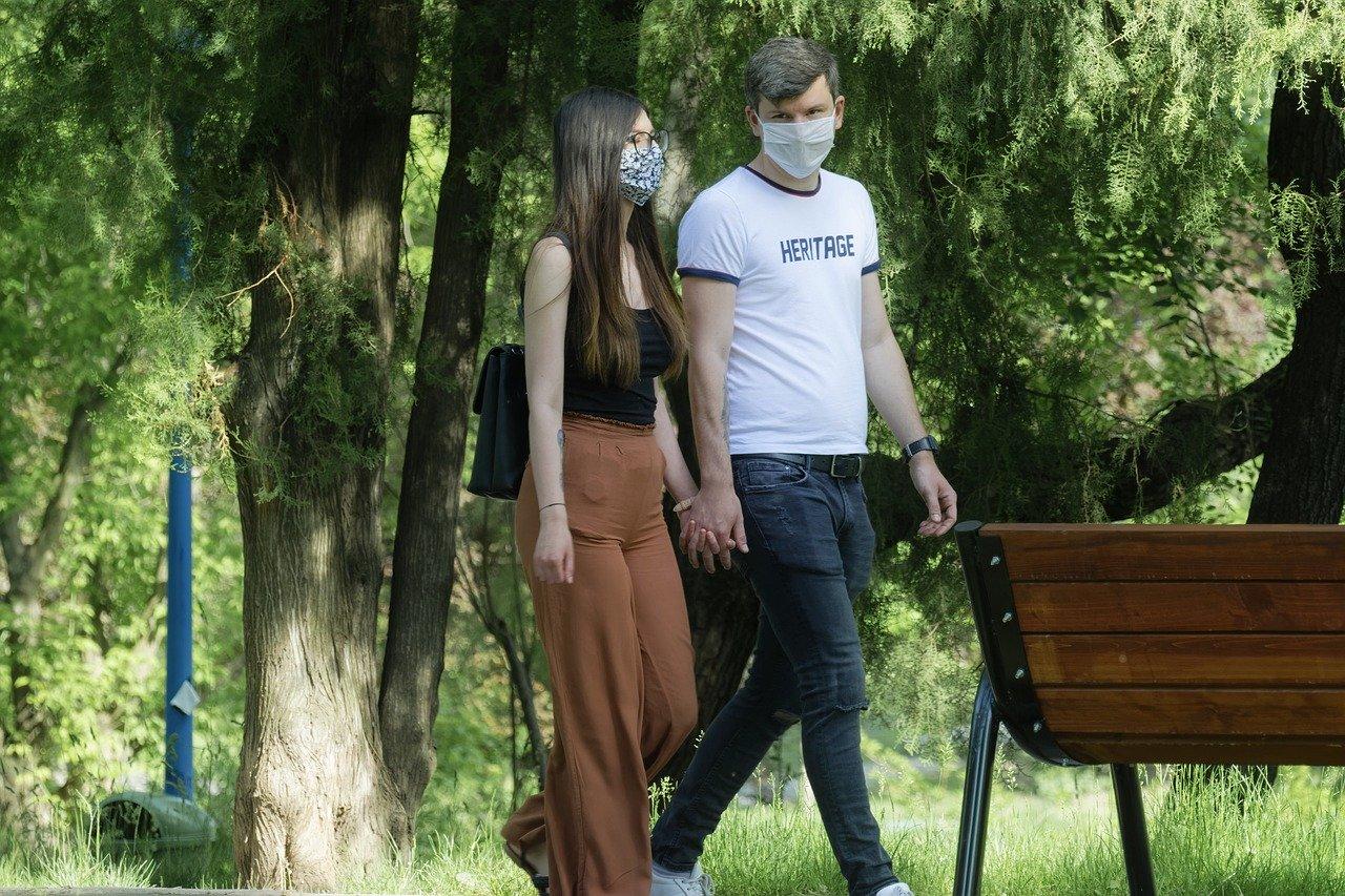 Coronavirus ultime notizie calano i contagi