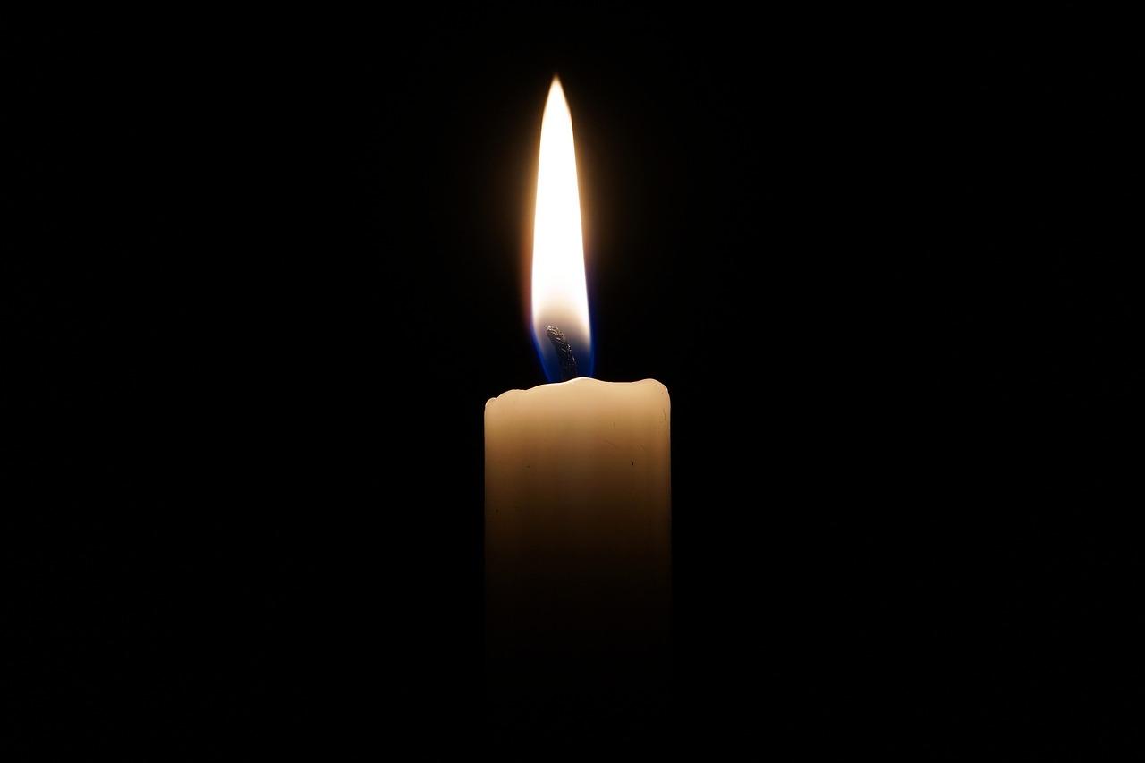 Candela in segno di lutto