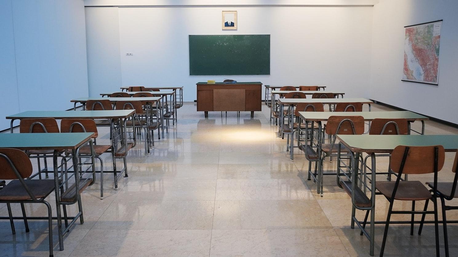 Riapertura scuole: nodo che rallenta il nuovo Dpcm. Le ipotesi sul tavolo