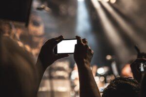 Tim, WindTre e Vodafone: offerte mobile internet e minuti a