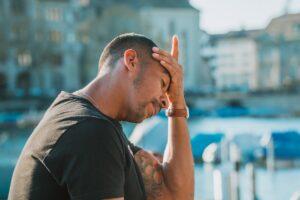 Cefalea cronica: cos'è e perché è diventata una malattia invalidante