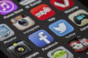 Immagini profilo Instagram: quando sono prelevabili e la legge sul punto