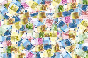 Come riconoscere una banconota falsa e a chi consegnarla