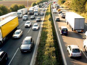 Bollino nero sulle autostrade per il weekend: orari e informazioni utili