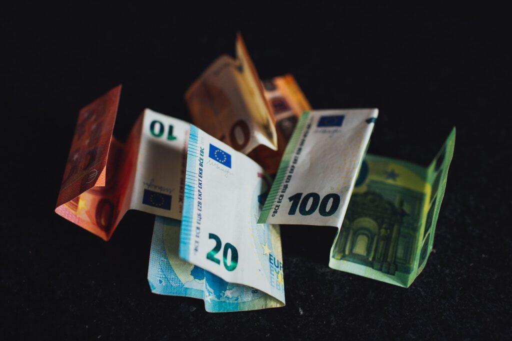 Bonus, Rem, Ristori: cosa salta con la crisi di governo