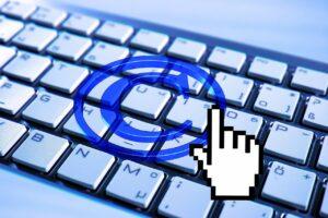 Immagini senza copyright: quando inserirle nei siti e come fare