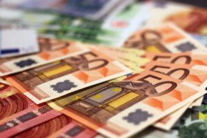 Bonus 500 euro pc ed internet: i requisiti Isee e come ottenerlo