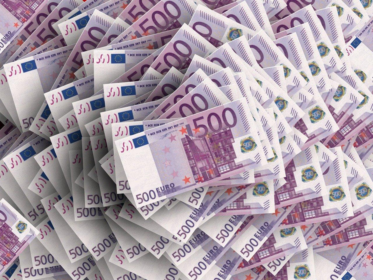 Quanto guadagnano i milionari d'Italia