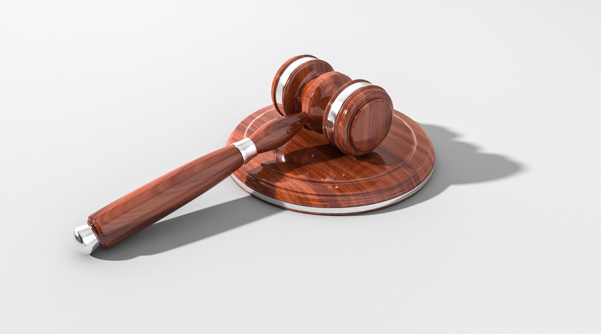 Cognome unione civile: quale si usa e cosa dice la legge