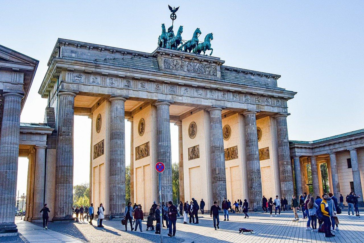 Lockdown Germania: la Merkel chiude il paese per quasi un mese