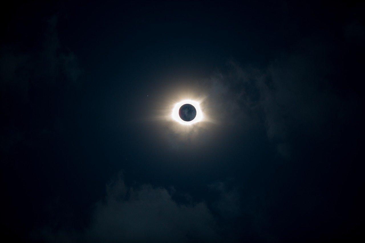 Eclissi 10 giugno 2021: di cosa si tratta, orario e come vederla in Italia