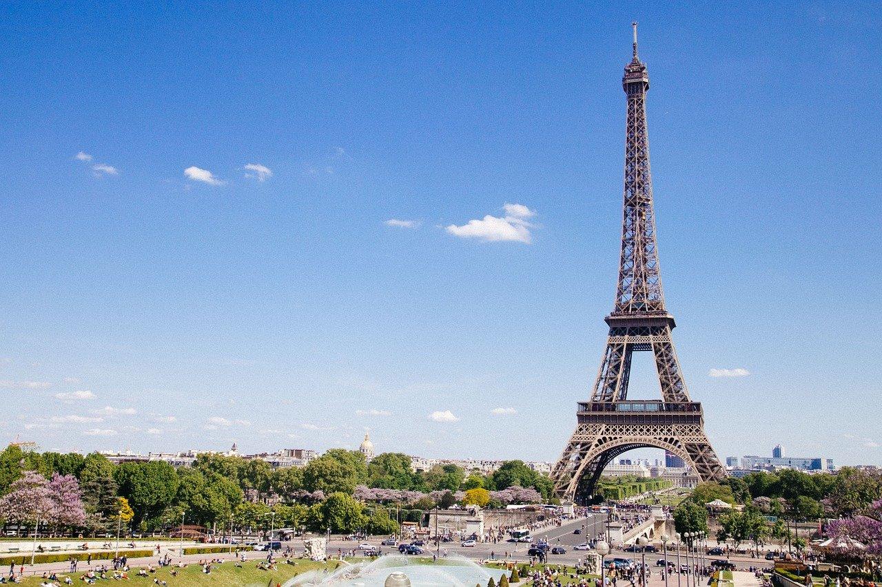 Viaggi all'estero: come potrebbero cambiare le regole. L'esempio francese