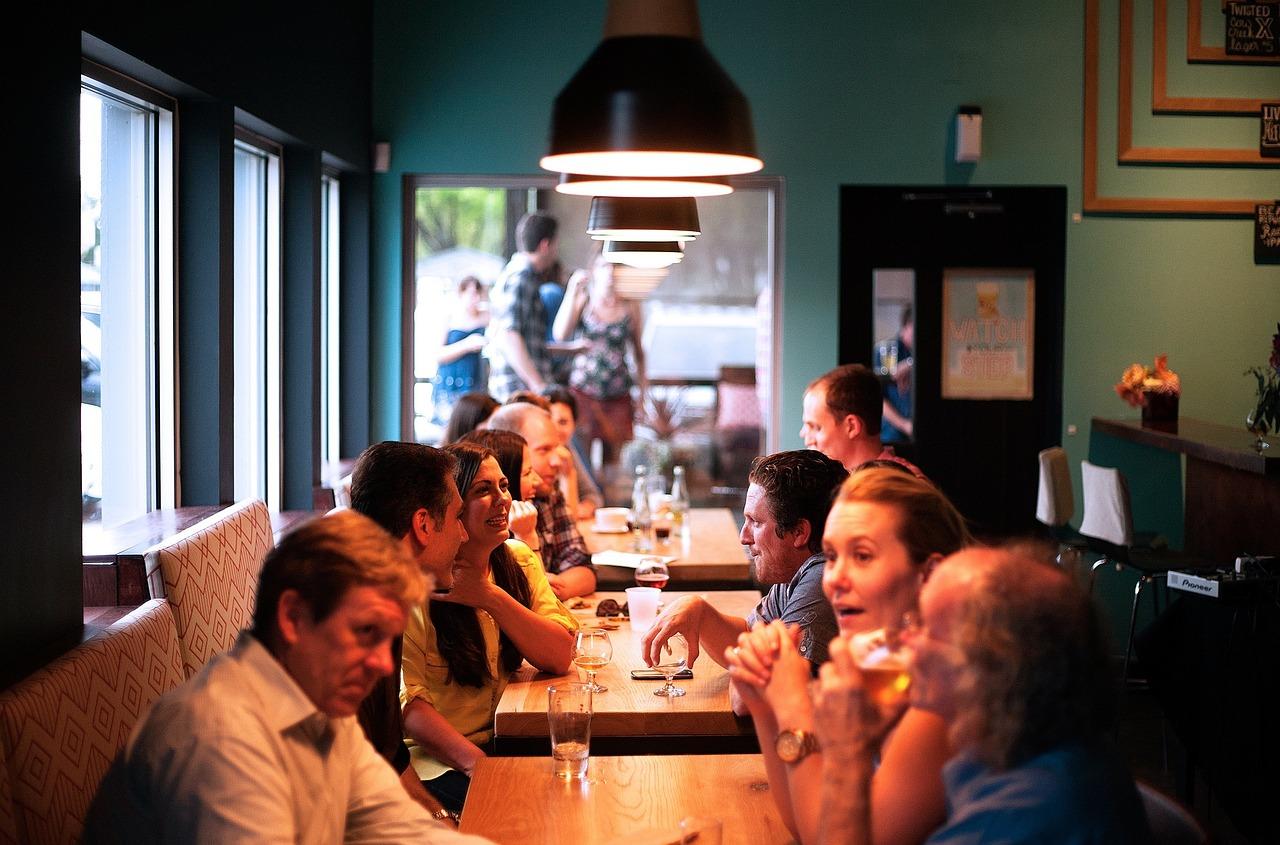 Green pass ristoranti, bar, trasporti: le ipotesi al vaglio del Governo Draghi