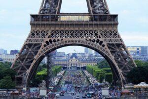 Restrizioni Francia per non vaccinati: anche l'Italia verso estensione green pass