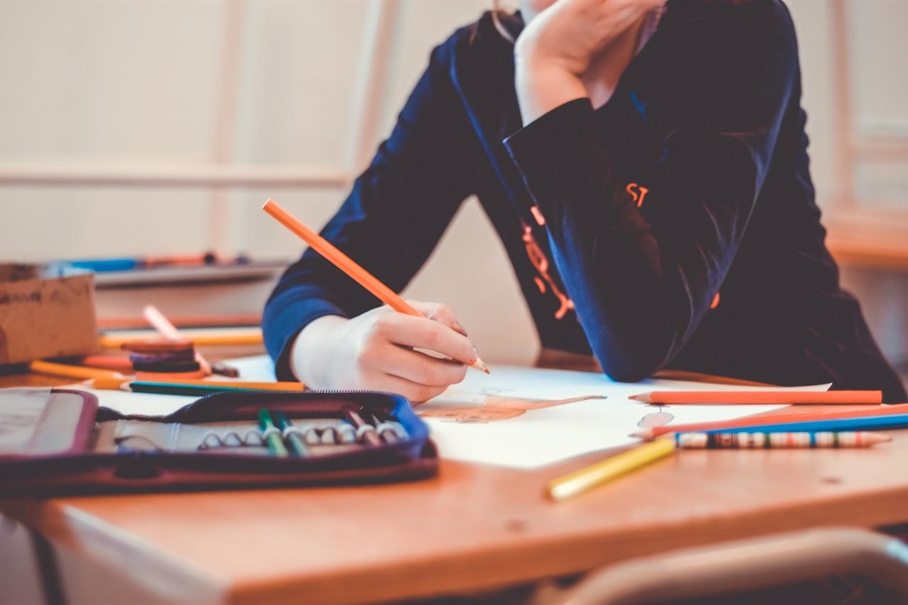 Primo giorno scuola in 9 regioni: come funziona l'obbligo di Green pass